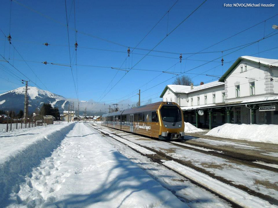 Die Himmelstreppe am Bahnhof Mariazell - Mariazellerbahn - NÖVOG/Foto: Michael Heussler