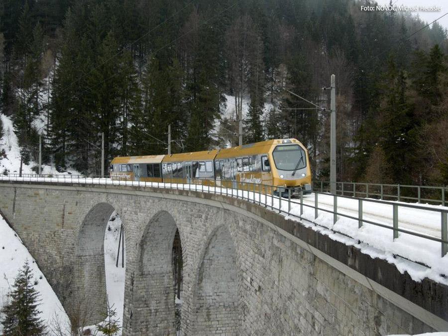 Himmelstreppe überquert Saugrabenviadukt - Mariazellerbahn - NÖVOG/Foto: Michael Heussler