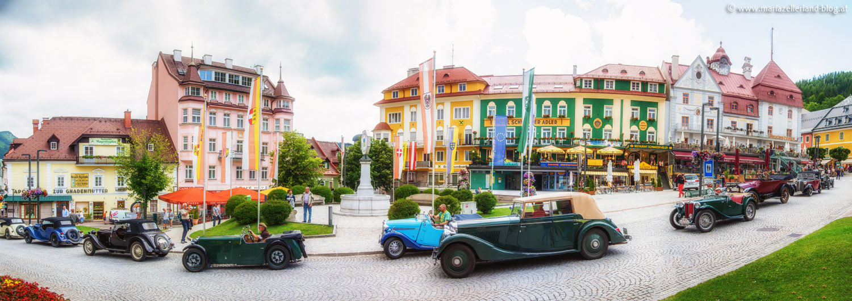 Mariazell-Oldtimer-Historic--Hauptplatz-Pano