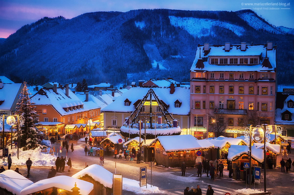 Mariazell-Advent-Blick-Grazerstrasse-Apotheke
