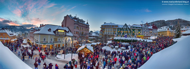Hauptplatz-Mariazell-Adventkranzweihe-Panorama