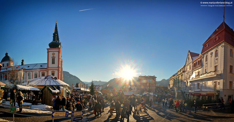 Hauptplatz-Mariazell-3-Adventsonntag-2013-Panorama_DSC03158