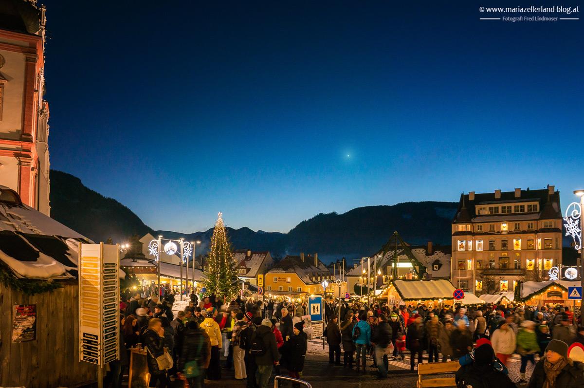 Mariazell-Hauptplatz-3-Advent-2013_DSC03306