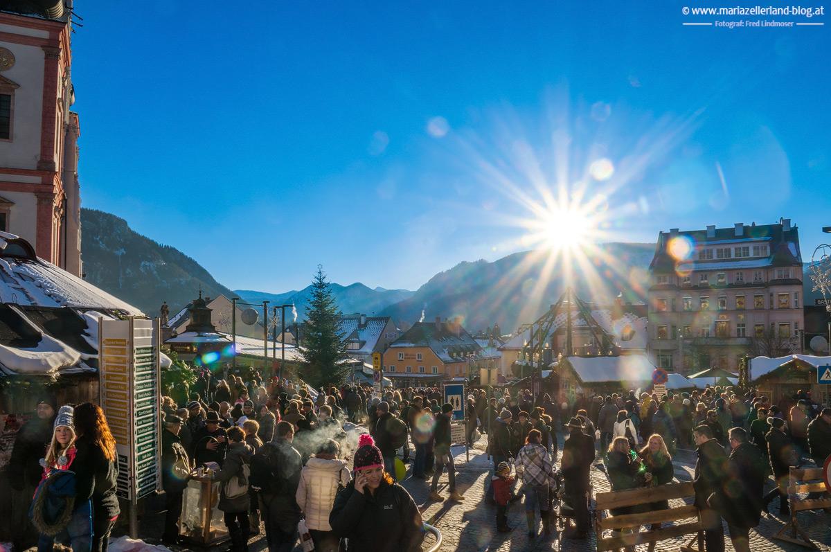 Mariazell-Hauptplatz-3-Adventsonntag-2013