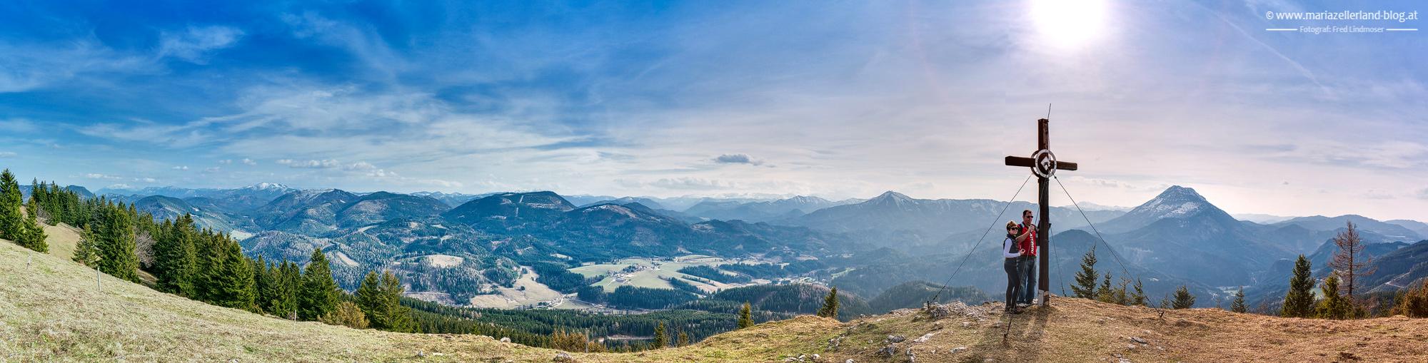 Hochstadelberg-Ausblick-Panorama