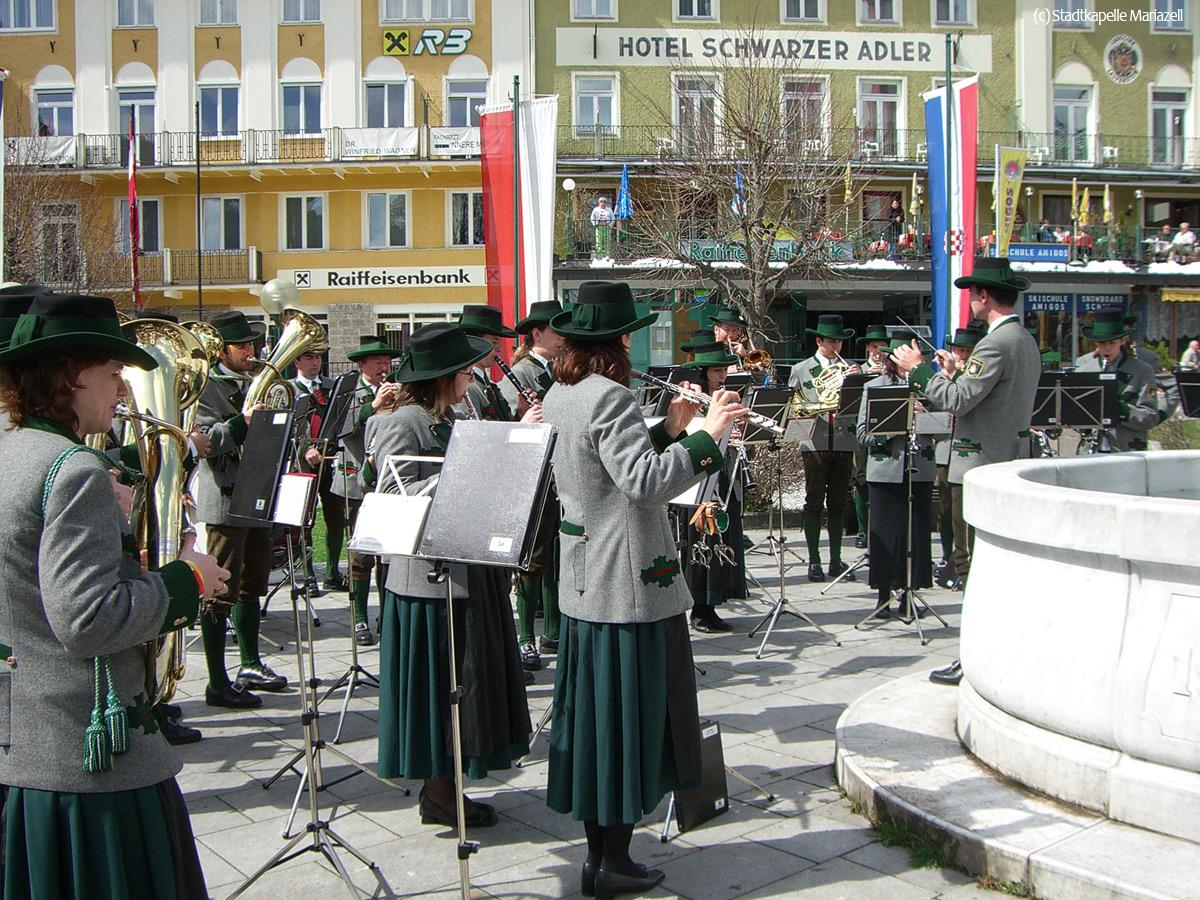 Stadtkapelle-Mariazell-Maibaum-06-037