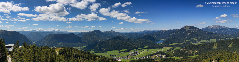 Blick-von-der-Aussichtswarte-Buergeralpe-Panorama