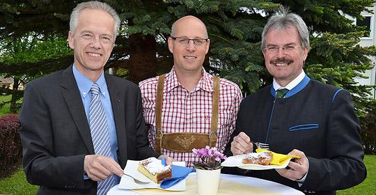 NÖVOG Geschäftsführer Gerhard Stindl, Pächter Thomas Wallner und Verkehrslandesrat Karl Wilfing. © NÖVOG/Lengauer