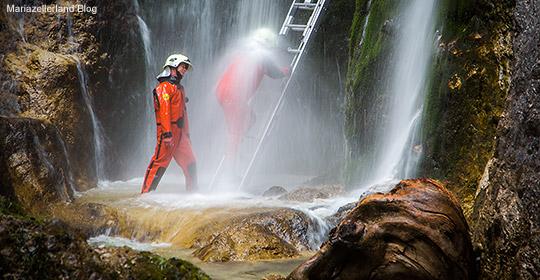 Marienwasserfall-Marienstatue-befestigen-Titel_9055