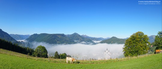Herbst-Mariazell-Basilika-Morgennebell-2014_DSC07878_Pano