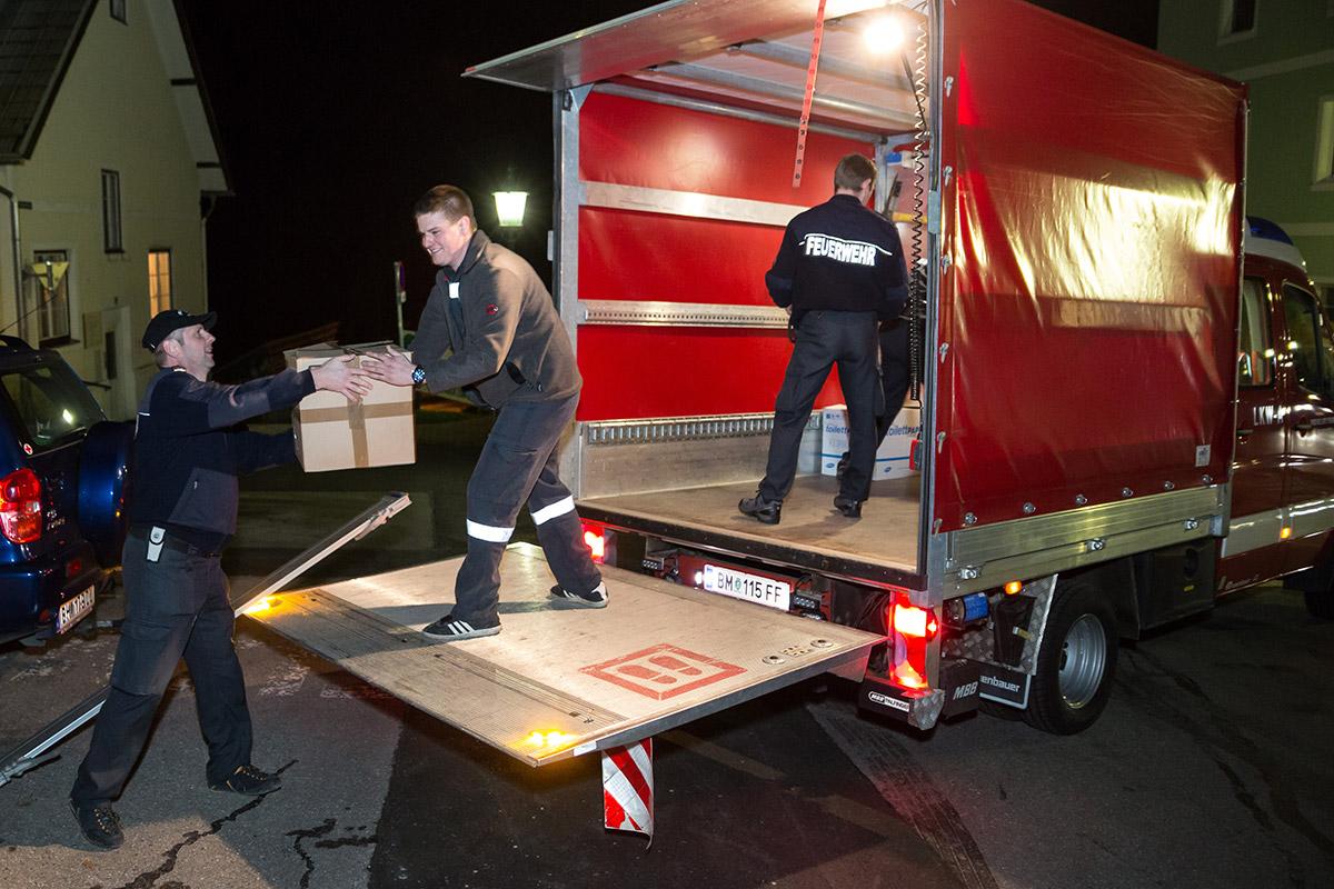 Weihnachtshilfe-Osteuropa_Feuerwehr-Mariazell-IMG_8155