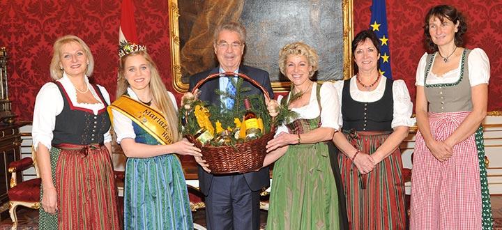 Imkerinnen-Besuch-Bundespraesident_4637