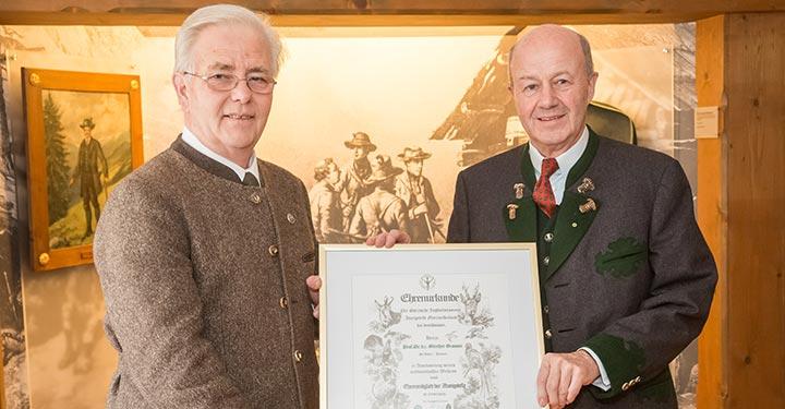 Ehrung-Prof_Granser-Jagdschutzverein-Mariazell