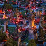 Bild der Woche: Friedhof in Mariazell am Abend