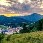 Bild der Woche: Blick auf Mariazell bei Sonnenuntergang