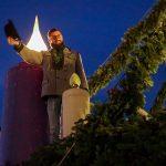 2. Adventkerze am großen Adventkranz in Mariazell entzündet